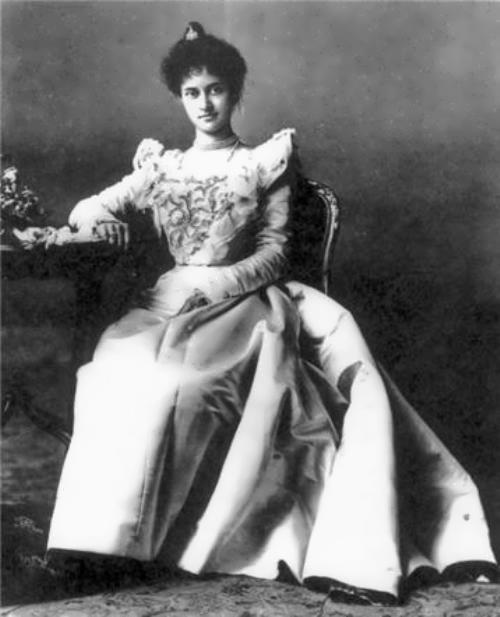 Victoria Kaiulani was heir to the throne of the Kingdom of Hawaii