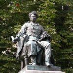 Monument to Dumas pere