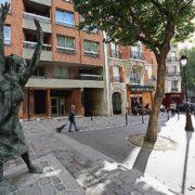 Monument to Edith Piaf in Paris