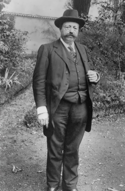 Philippe Nizier - genius doctor or charlatan?