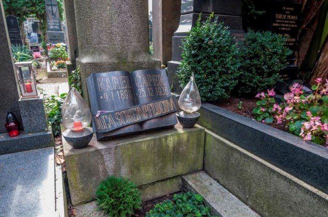 Tombstone of Karel Capek
