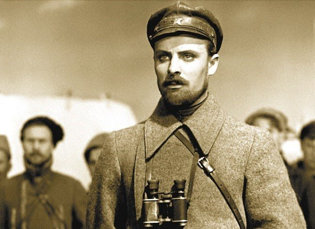Evgeny Samoilov as the Ukrainian Chapaev Nikolai Shchors