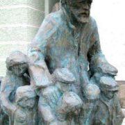 Monument to Janusz Korczak with children