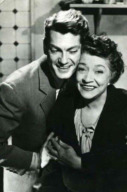 Yvonne de Bray and Jean Marais in Terrible Parents