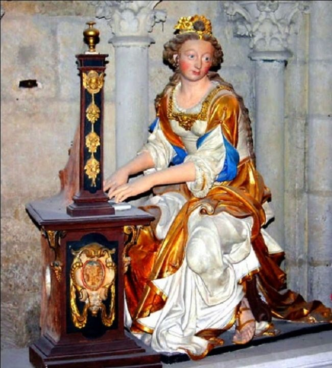 Anne of Brittany doll