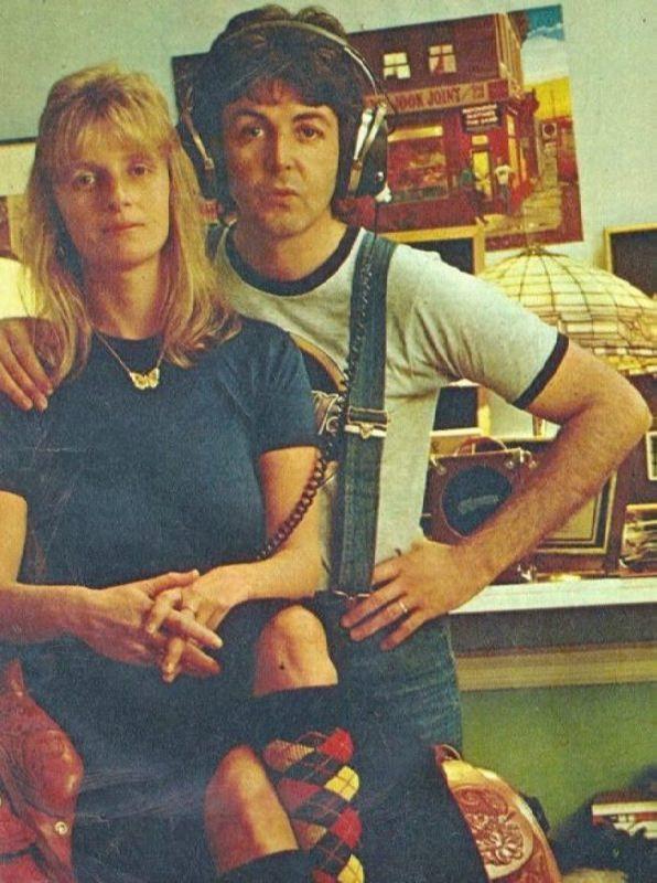 Charming Linda and Paul McCartney