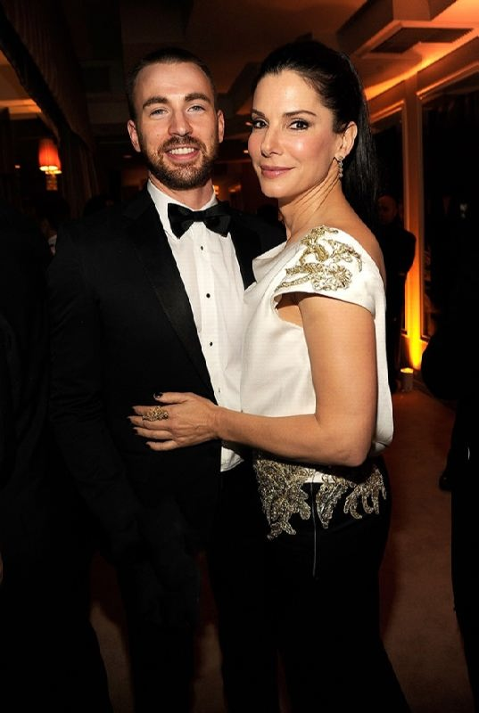 Chris Evans and Sandra Bullock