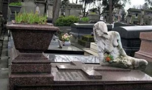 Tomb of Cleo at Pere Lachaise cemetery