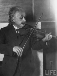 Einstein is playing the violin, 1921