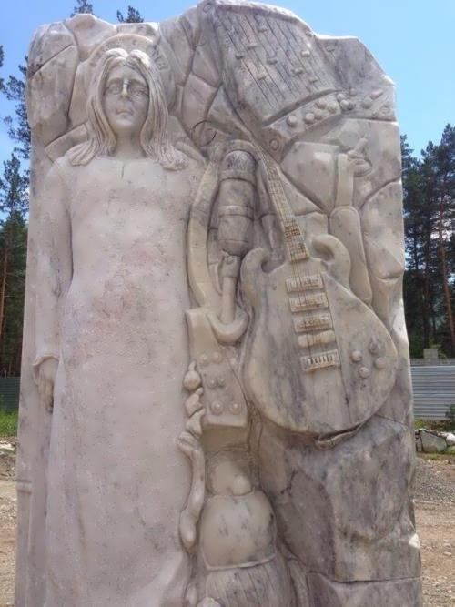 Monument to Lennon in Altai, Russia
