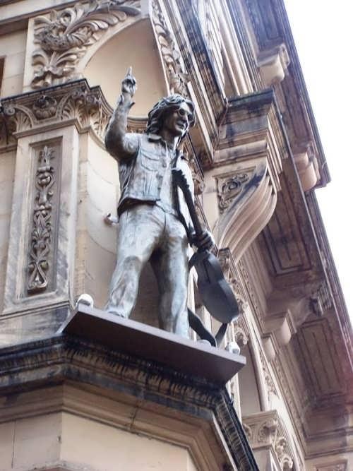 Monument to Lennon