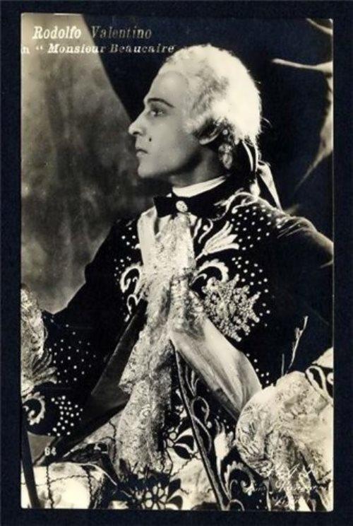 Rudolph Valentino – romantic idol
