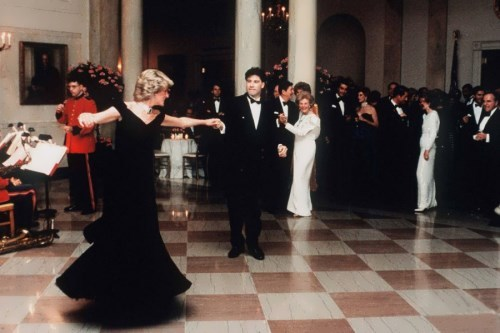 Diana and John Travolta dancing in the White House, 1985