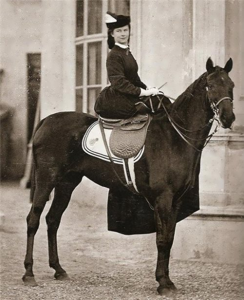 The Empress on the horseback