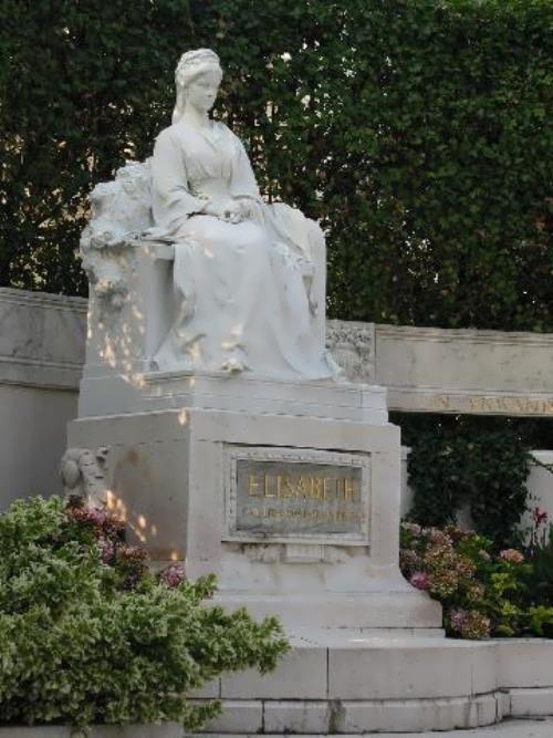 Monument to Empress Elisabeth