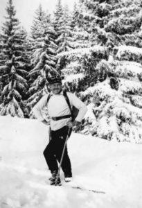 Hemingway skiing, 1927