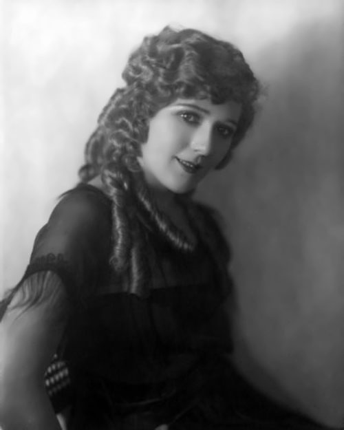Pickford - first female movie mogul