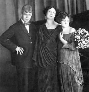 Sergei Esenin, Isadora Duncan and her adopted daughter Irma. 1922