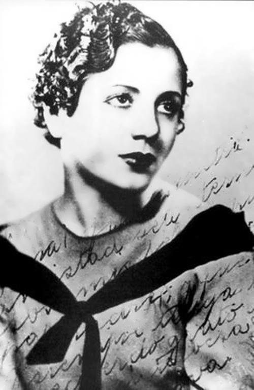 Eva in 1934, her first studio picture