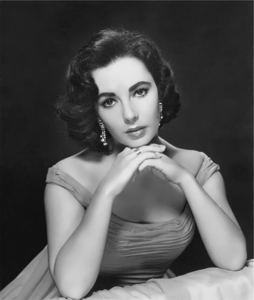 Elizabeth Taylor - Queen of Hollywood