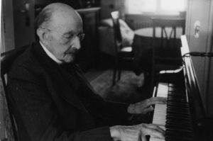 Planck is playing the piano