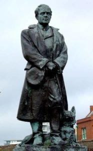 Sculpture of Robert Scott at the docks in Portsmouth