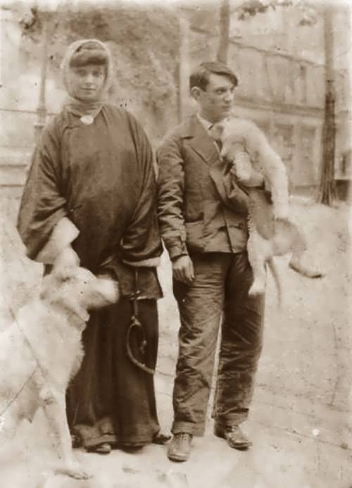 Picasso and Fernande Olivier in Montmartre with dogs. 1906