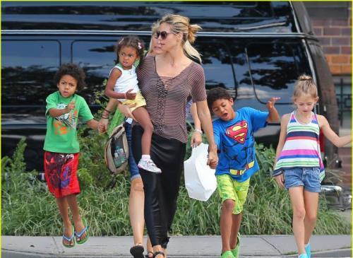 Klum and her children
