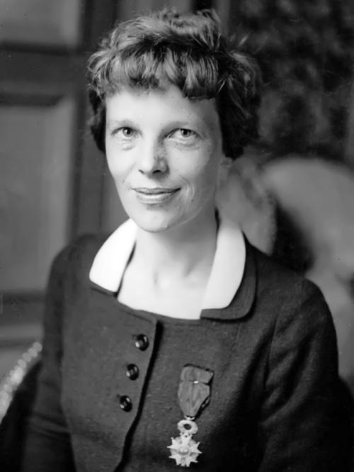 Amelia Mary Earhart – woman pilot