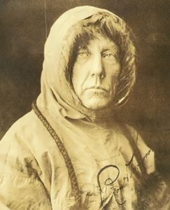 Amundsen - Napoleon of the Polar Regions