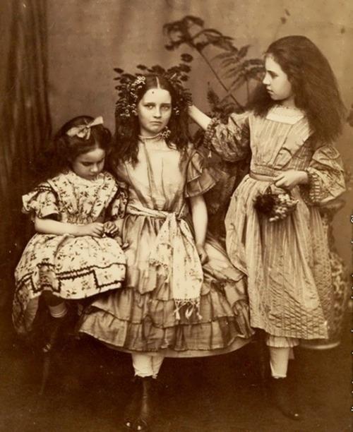 Edith, Lorina, and Alice Liddell, 1859