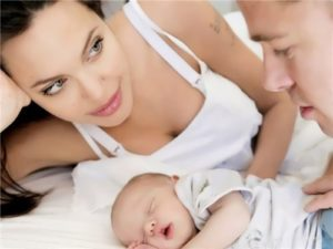 Jolie, Brad Pitt and their daughter