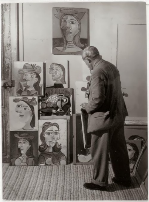 Picasso at the portrait of Dora Maar