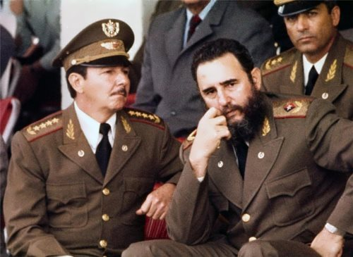 Fidel and Raul Castro in 1977
