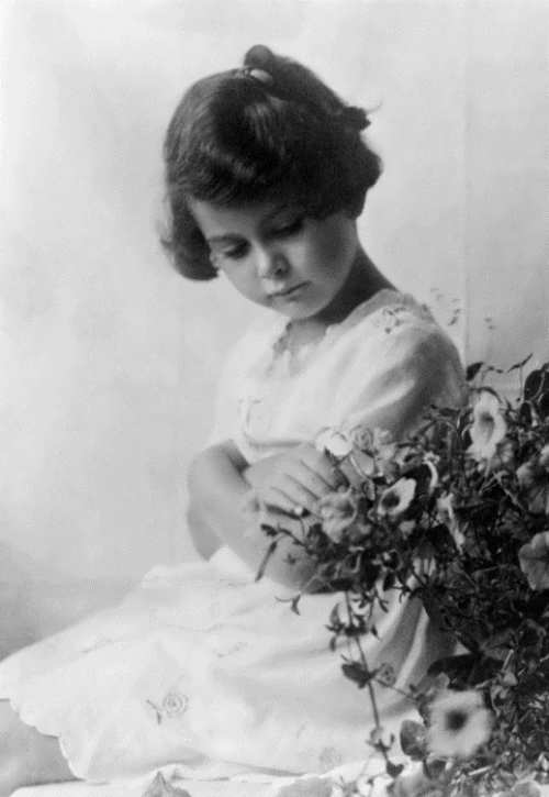 Hedy in her childhood