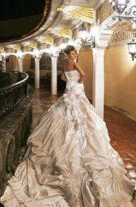 Melania in wedding dress