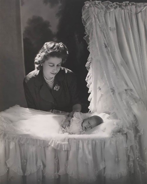 Elizabeth with the newborn Prince Charles, in December 1948