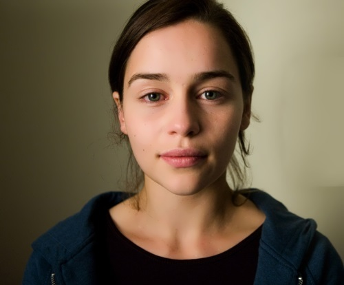 Emilia Clarke without make-up