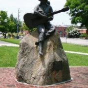 Monument to Dolly in her native Siviirville
