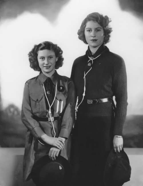 Elizabeth and her sister Margaret