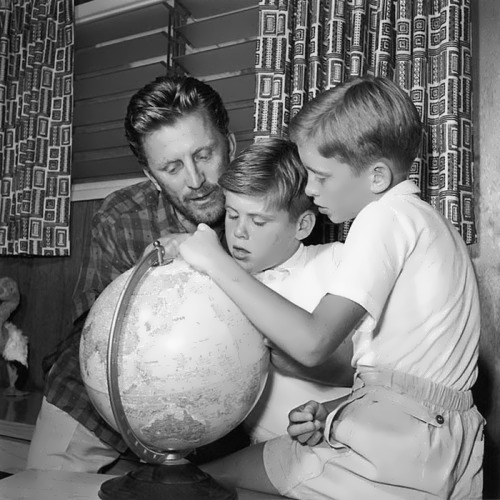 Kirk Douglas with his sons