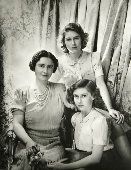 The Queen and her daughters Elizabeth and Margaret, October 1942