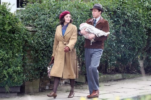 Marion Cotillard and Brad Pitt in the film Allied