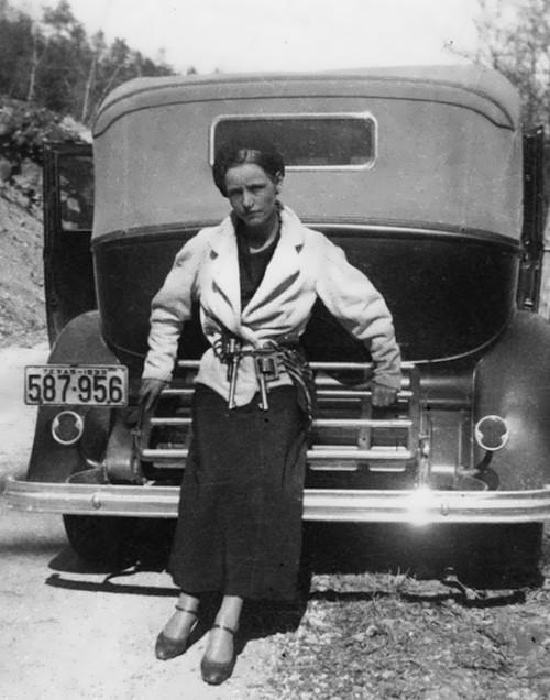 Bonnie Parker, 1933
