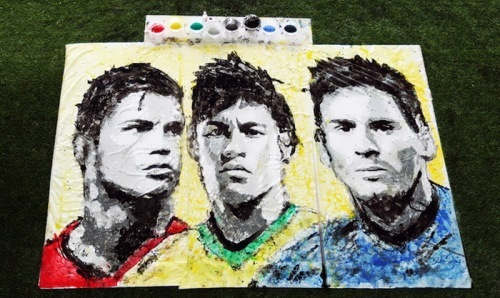 Hong Yi painted the portrait of Neymar with a football
