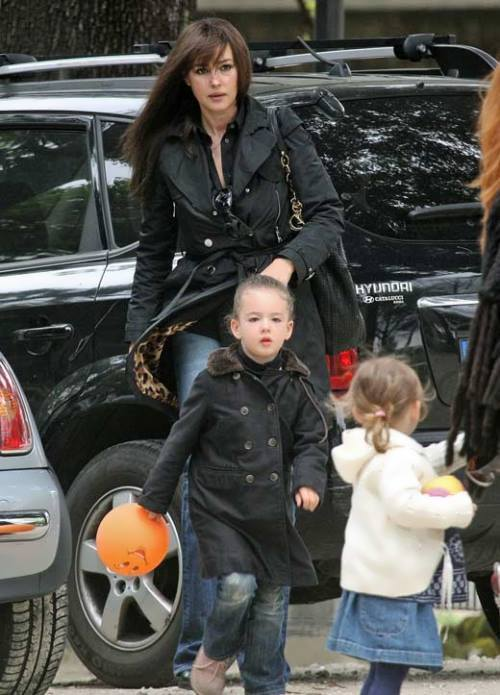 Monica Bellucci and her children