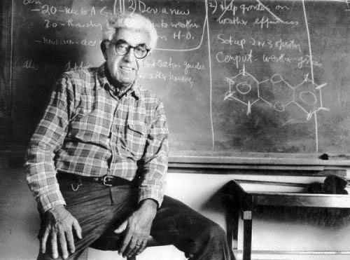 Famed scientist Barry Commoner