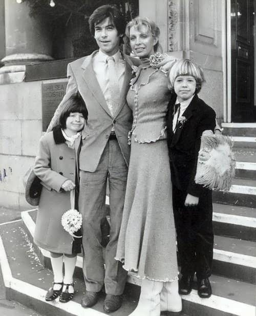 Pierce Brosnan, Cassandra Harris and her children