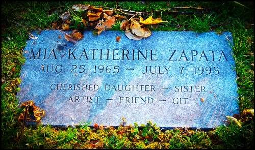 Grave of Mia Zapata