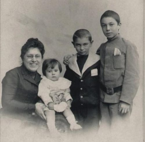 Pasternak and his family